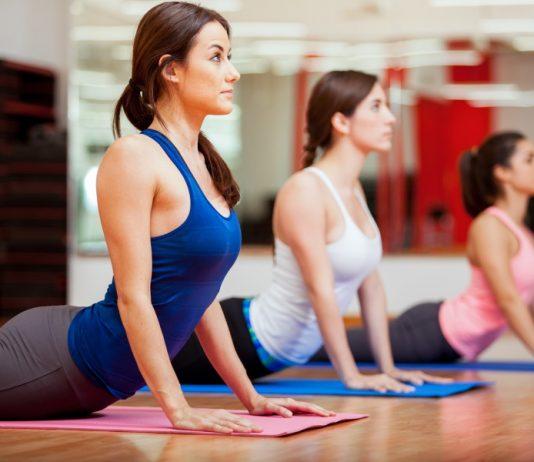Yoga Training und Übungen für zuhause