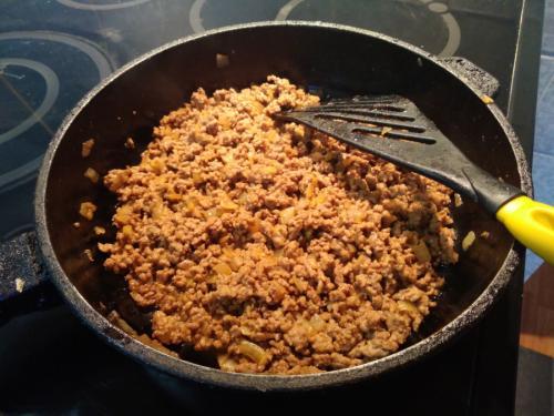 Das Burrito Fleisch haben wir unter anderem mit Zwiebeln verfeinert.